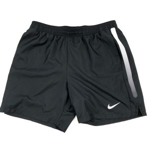 GENTLY USED NIKE DRI-FIT TENNIS SHORTS SIZE LARGE